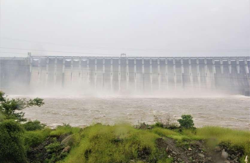 Gujarat: सरदार सरोवर नर्मदा बांध ऐतिहासिक जलस्तर पर, 138 मीटर पार