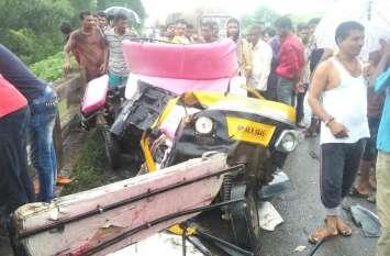 Accident : इंदौर-इच्छापुर हाईवे पर ट्रक-ऑटो में भिड़ंत, 3 की मौत, 6 घायल