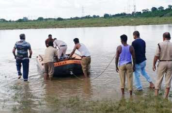 नदी में डूबे युवक का शव दूसरे दिन मिला, गोताखोर करते रहे मशक्कत