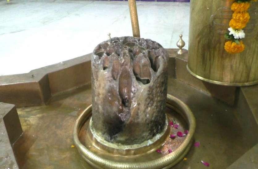 Ahmedabad news : यहां शिवलिंग से निरंतर बहता है पवित्र जल