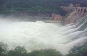 गांधी सागर बांध की रेलिंग टूटी, हाइड्रो पावर यूनिट डूबी, 19 गेट खोले गए, प्रशासन ने कहा- बांध पूरी तरह से सुरक्षित