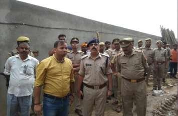 सपा नेता की कोल्ड स्टोरेज की दीवार गिरने से मजदूर की दबकर मौत, कई घायल
