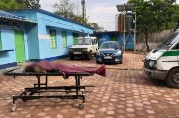 खेत में आराम कर रही चार महिलाओं के ऊपर गिरी बिजली, एक की दर्दनाक मौत