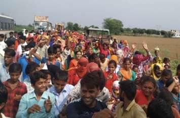 सुंदरदास बाबा आश्रम से हिंगोनिया बालाजी धाम के लिए पदयात्रा
