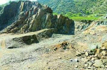 अलवर में अवैध खनन के कारण पूरी तरह से छलनी हो गई अरावली की पहाडिय़ां, लेकिन कमेटी को केवल एक जगह दिखा अवैध खनन