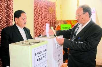 Advocates' Union: चुनाव सम्पन्न, इनके बीच हैकांटे की टक्कर