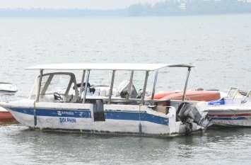 जानलेवा लापरवाही: जर्जर नावों का भी कर रहे पंजीयन, अफसरों को बस सूची से मतलब