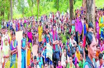 मुठभेड़ के बाद लापता अजय को छुड़ाने सैकड़ों की संख्या में ग्रामीण पहुंचे किरंदुल, तब पुलिस ने.....