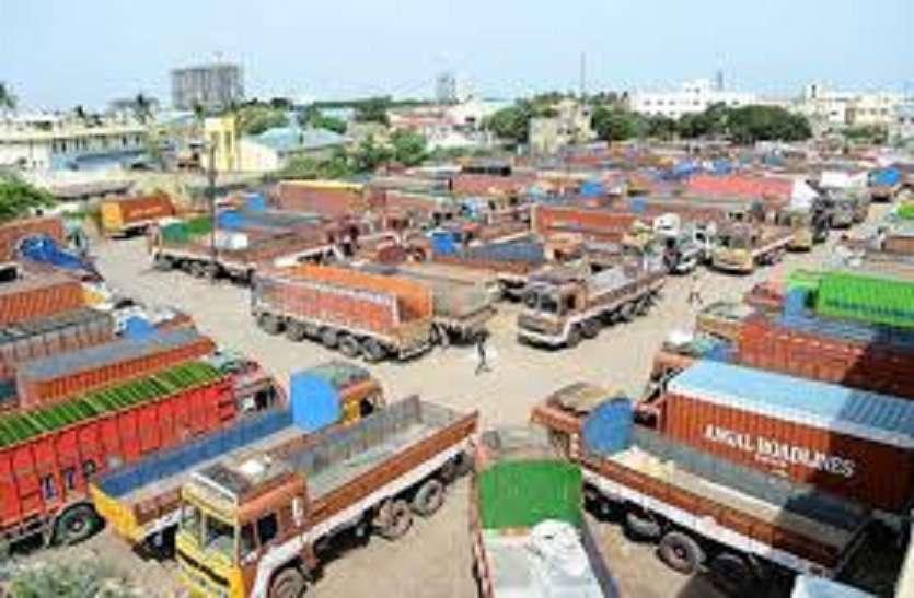 Tamilnadu : भारी जुर्माने के विरोध में तमिलनाडु में 4 लाख लॉरी मालिक हड़ताल पर