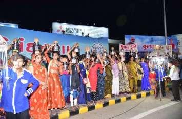 अपने 'लोकलाडिला' प्रधानमंत्री का इस एयरपोर्ट पर भव्य स्वागत
