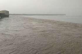 बाढ़ से बिगड़े हालात, खाली कराए गांव, 69 गांवों में स्कूलों में अवकाश बढ़ाया