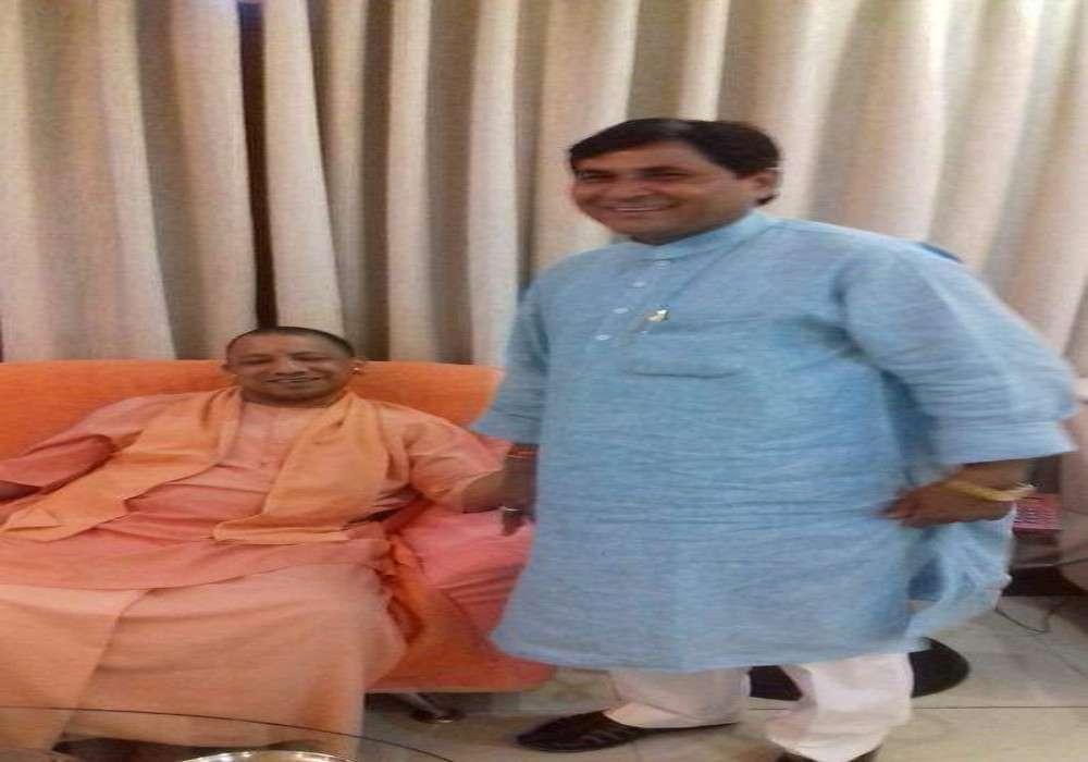 भाजपा विधायक ने कहा तुमको मंत्री भी नहीं बचा पाएंगे, एक दिन पहले दरोगा को थाने में घुसकर मारने की दी धमकी