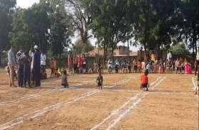 रीले छात्रा वर्ग में प्रयागराज कालन्द्री विजेता व सेंट जेकेडी स्कूल रही उप विजेता