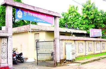 ओडिशा रोड में सड़क किनारे मिली युवक की लाश, मचा हड़कंप...