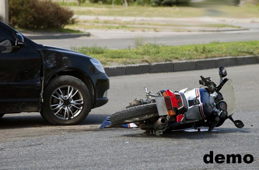 तेज रफ्तार कार ने युवक को कुचला, 1 की मौत दूसरा गंभीर रूप से घायल