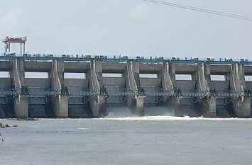 बीसलपुर बांध में पानी की आवक हुई कम, दो गेट खोल बनास में 12 हजार 20 क्यूसेक पानी की निकासी जारी