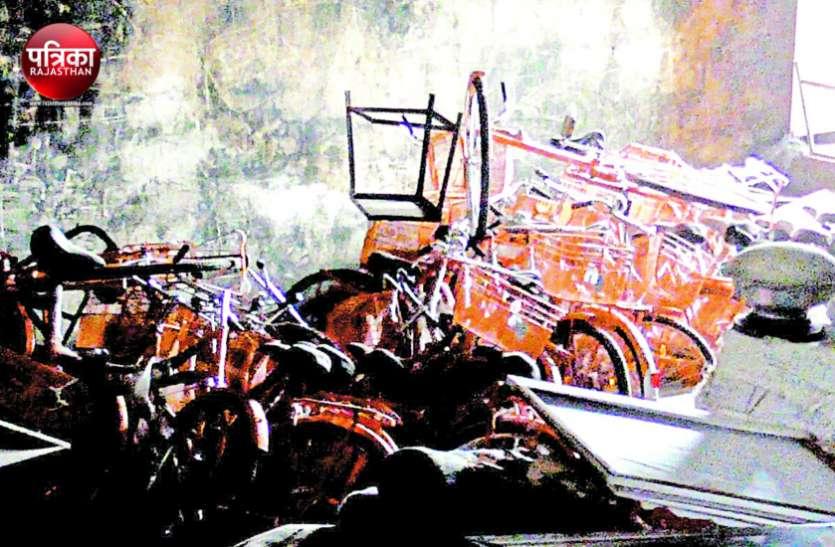 इस बार खुशी से खिलेंगे साढ़े 14 हजार बेटियों के चेहरे, 'भगवा' की बजाय काले रंग की मिलेगी साइकिलें
