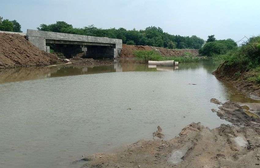 बाढ़ प्रभावित क्षेत्रों में एक के बाद एक भूमिगत धमाके, डर के मारे घर से भागे लोग
