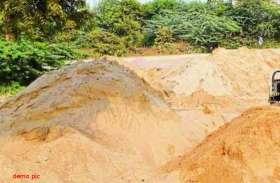 बजरी माफियाओं का दुस्साहस, खनिज विभाग ने बजरी का डंपर पकड़ा, उडऩ दस्ते के सामने छुड़ा ले गए माफिया