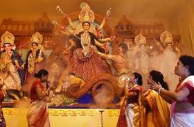 दुर्गा पूजा पंडालों में गूंजेगा विरोध का स्वर, इस बड़े फैसले से नाराज हैं लोग