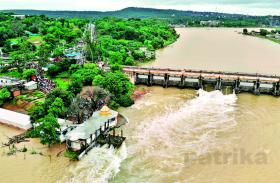 लगातार बारिश से जल स्त्रोत लबालब, फिर भी पुराने शहर में पानी का संकट