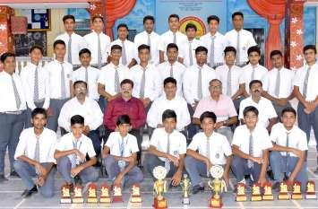 हैंडबॉल में जीता खिताब, कईं विद्यार्थियों का राज्य स्तर पर चयन