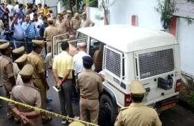 दो दिन पहले जेल से छूटा युवक उस्तुरा लेकर पहुंचा 25 लाख रुपए से भरी कैश वैन लूटने, गोली चलते ही मच गया हड़कंप