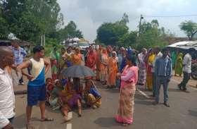 जेल में निरुद्ध बंदी की मौत पर ग्रामीणों में आक्रोश, किया चकाजाम