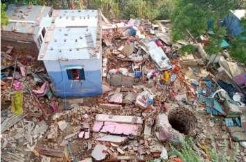 खौफनाक मंजर: चंबल की उफनती लहरें किनारे लौटी तो पीछे छोड़ गई तबाही के निशां, तस्वीरों में देखिए विनाशलीला