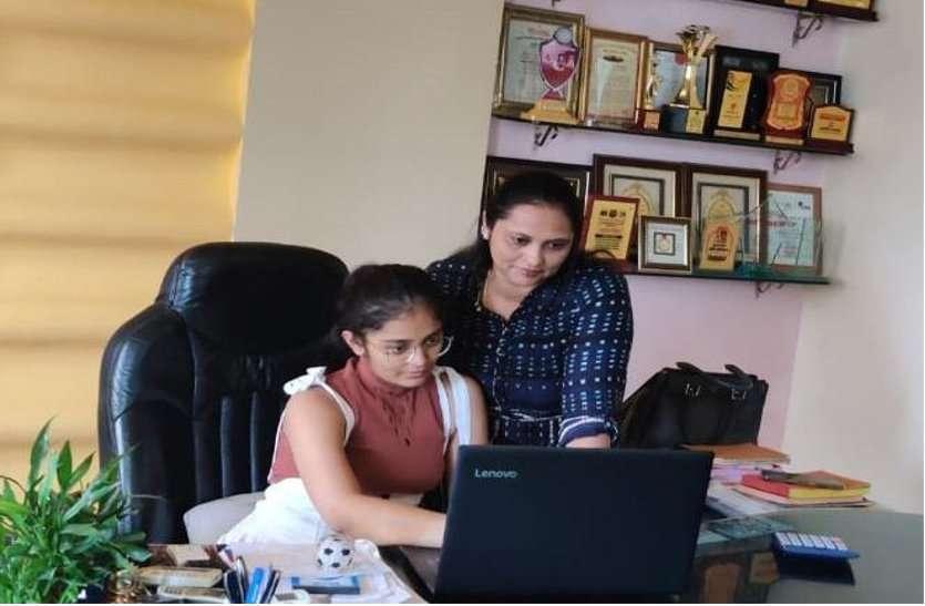 बेटियांं बनीं बॉस,  पापा-मम्मी की गाइडेंस में संभाला ऑफिस, आया कॉन्फिडेंस