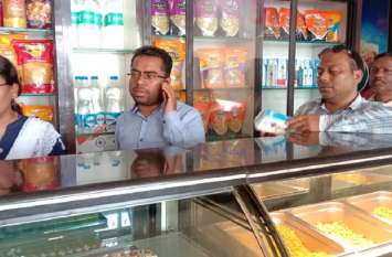 मिष्ठान भंडार, किराना दुकानों पर प्रशासनिक अमले ने की कार्रवाई