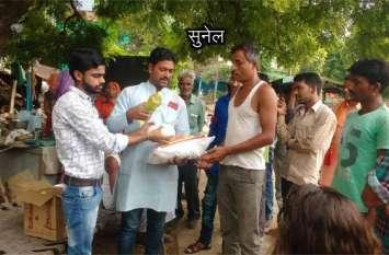 बाढ़ प्रभावितों की तरफ दानदाताओं ने बढ़ाए हाथ
