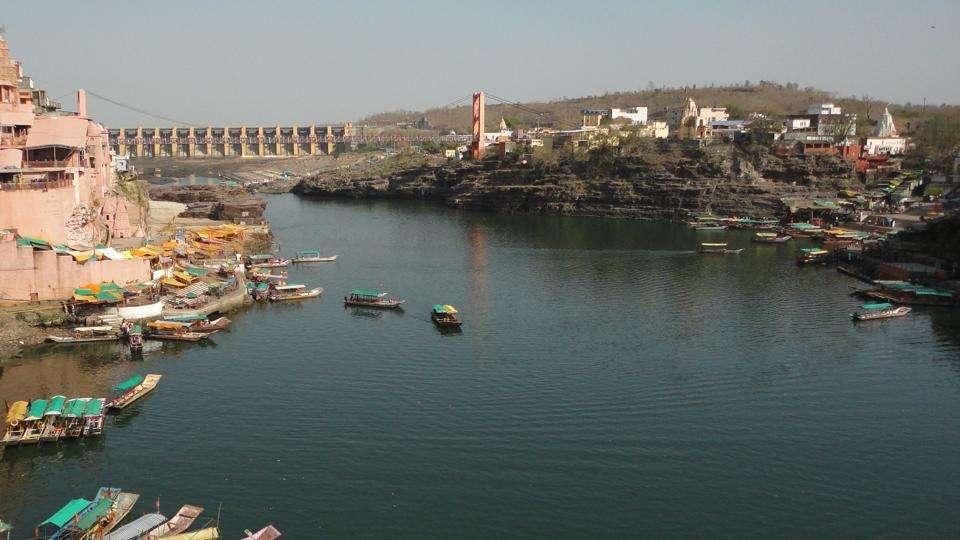narmada flows in opposite