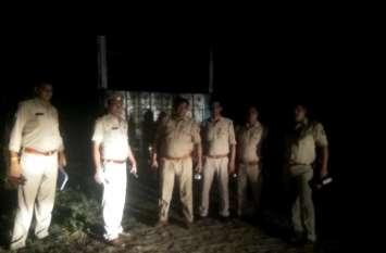 चोरी का ट्रक लेकर भाग रहे बदमाशों का पुलिस से हुआ सामना, मुठभेड़ में दो गिरफ्तार