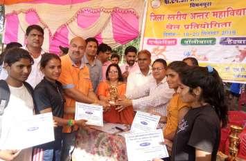 Jaipur rural : कालाडेरा की टीम विजेता, बीएनडी कॉलेज चिमनपुरा की टीम रही उपविजेता