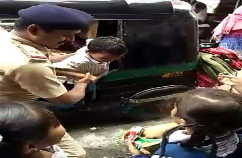 Surat News; स्कूल ऑटो को रोक कर पुलिस ने गिनती की तो निकले 20 बच्चे