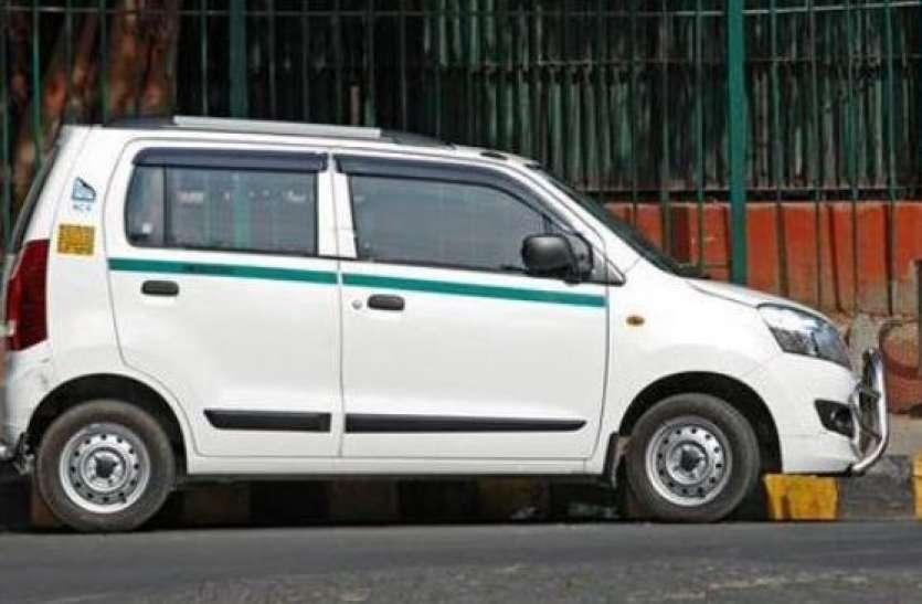 दिल्ली में कॉन्डम रखकर चल रहे हैं कैब ड्राइवर, नहीं होने पर पुलिस काट रही है चालान