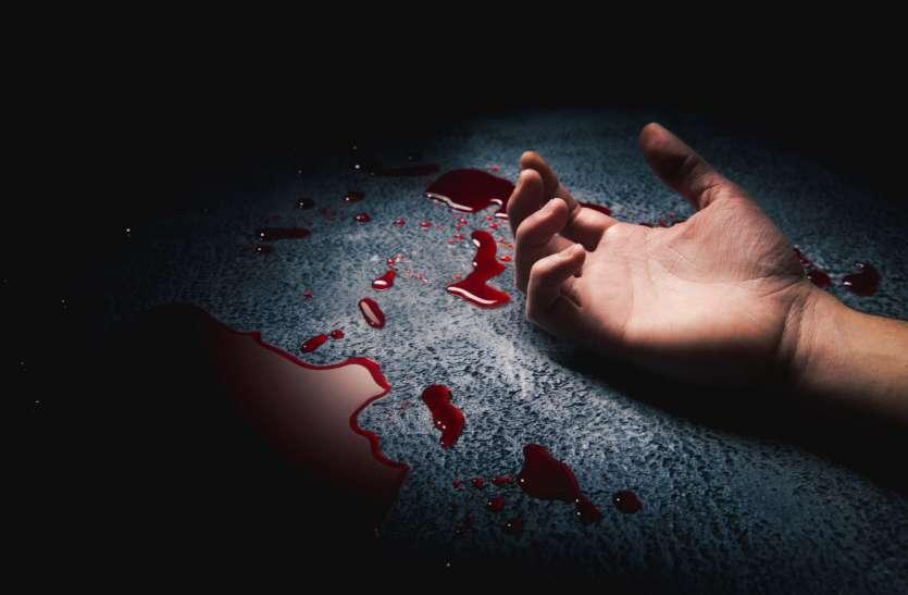 यूपी में युवक की दिनदहाड़े गोली मारकर हत्या, दरोगा समेत चार पर केस
