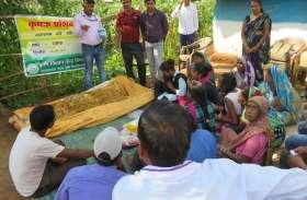 किसानों के लिए फायदेमंद है मशरूम, बता रहे हैं कृषि वैज्ञानिक