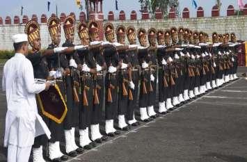 अंतिम पग से गुजरते ही भारतीय सेना के अंग बने 86 जवान, अपनों की आंखों में खुशी के आंसू छलके पासिंग आउट परेड में जवानों ने की कदमताल