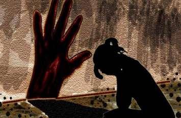नाबालिग पीडि़ता ने मां को दी थी यौन शोषण की जानकारी, वह चुप रही तो मामी को बताया