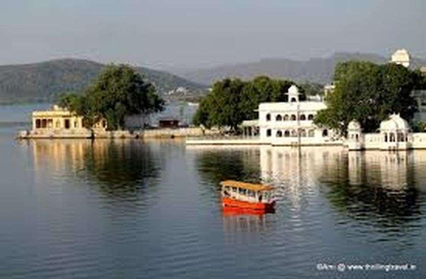 रेलवे की सौगात: बीकानेर से रसगुल्ला पैक कराएं और उदयपुर की पिछोला झील की पाल पर खाएं