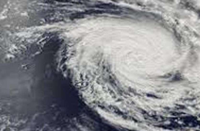 मौसमः चक्रवाती तूफान 'हिका' का कहर, देश के 10 राज्यों में भारी बारिश का अलर्ट