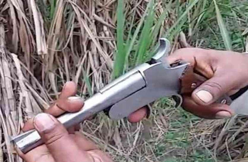 बढ़ रहा अवैध हथियार रखने का शौक
