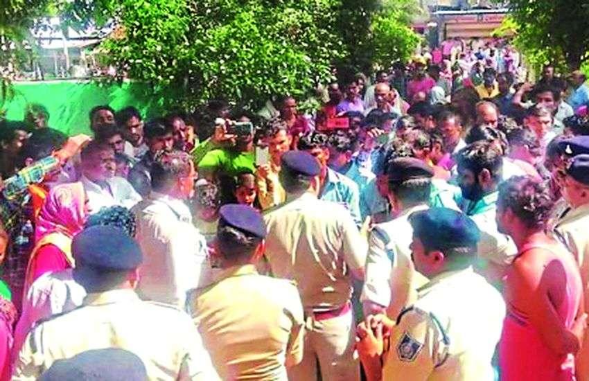 'खौफनाक' बनी छेड़छाड़ : थाने पर समझौता कर लौट रहे किशोरी के परिजन की कर दी हत्या