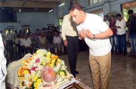 सुनील गावस्कर ने माधवराव आप्टे को दी श्रद्धांजलि, कहा- उनके साथ की क्रिकेट की चर्चाओं करेंगे मिस