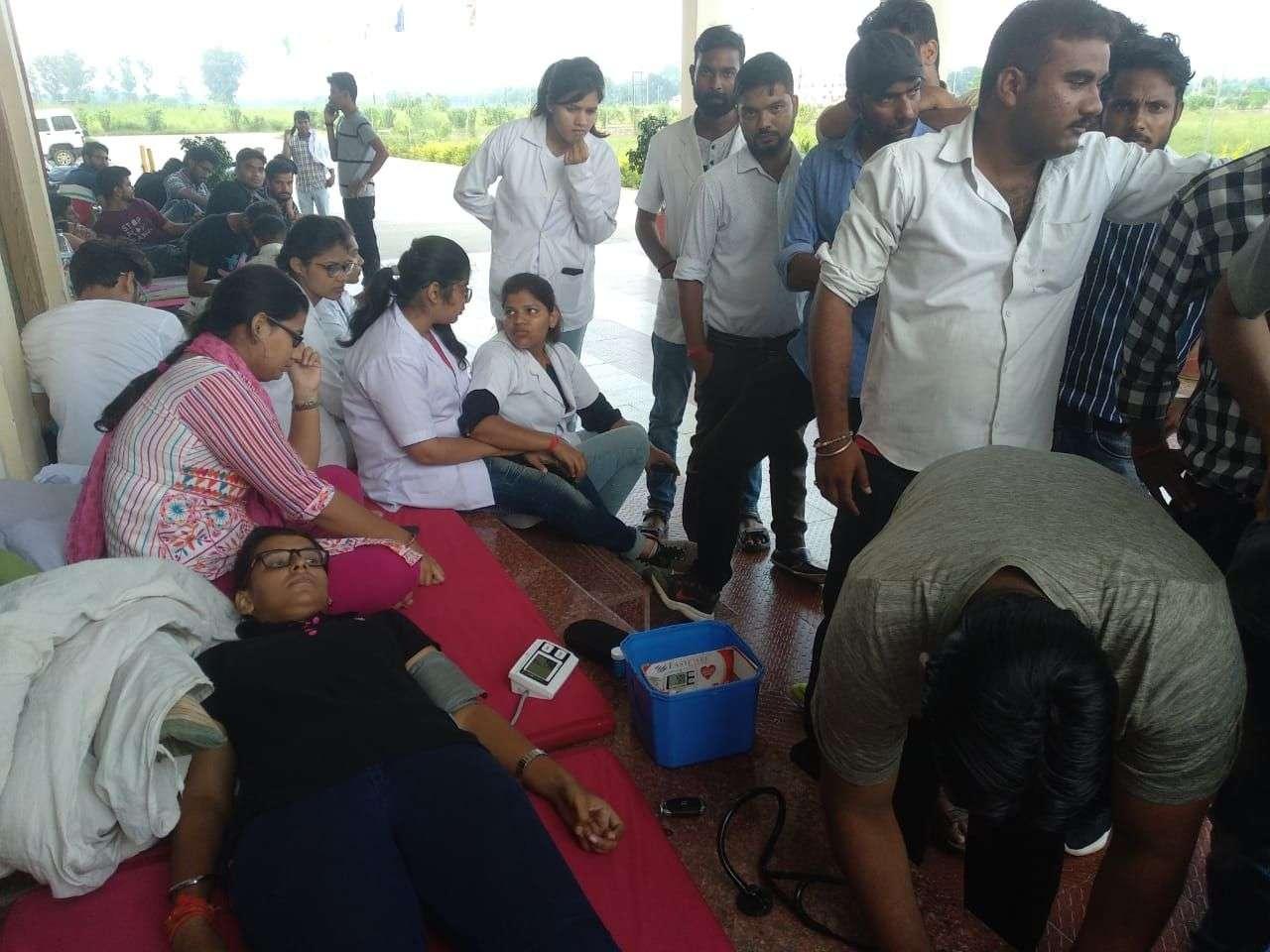 Medical students sitting on hunger strike deteriorate