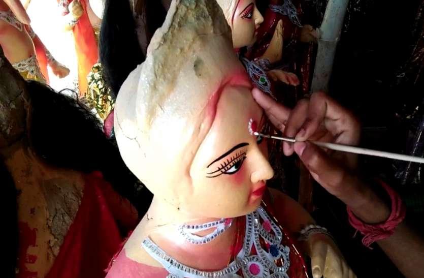 दुर्गा पूजा पर कोरोना का असर, आर्थिक तंगी से जूझ रहे मूर्तिकार, आंदोलन की तैयारी में