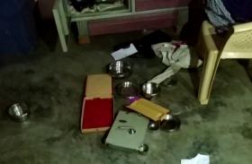 किसान के घर चोरों ने बोला धावा, लाखों के गहने और नकदी ले गए चोर, देखें वीडियो