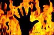 ऐसा मजाक कभी ना करें : बेटे को डराने मां ने उड़ेल लिया मिट्टी तेल, धोखे से जल गई तिली, मौत